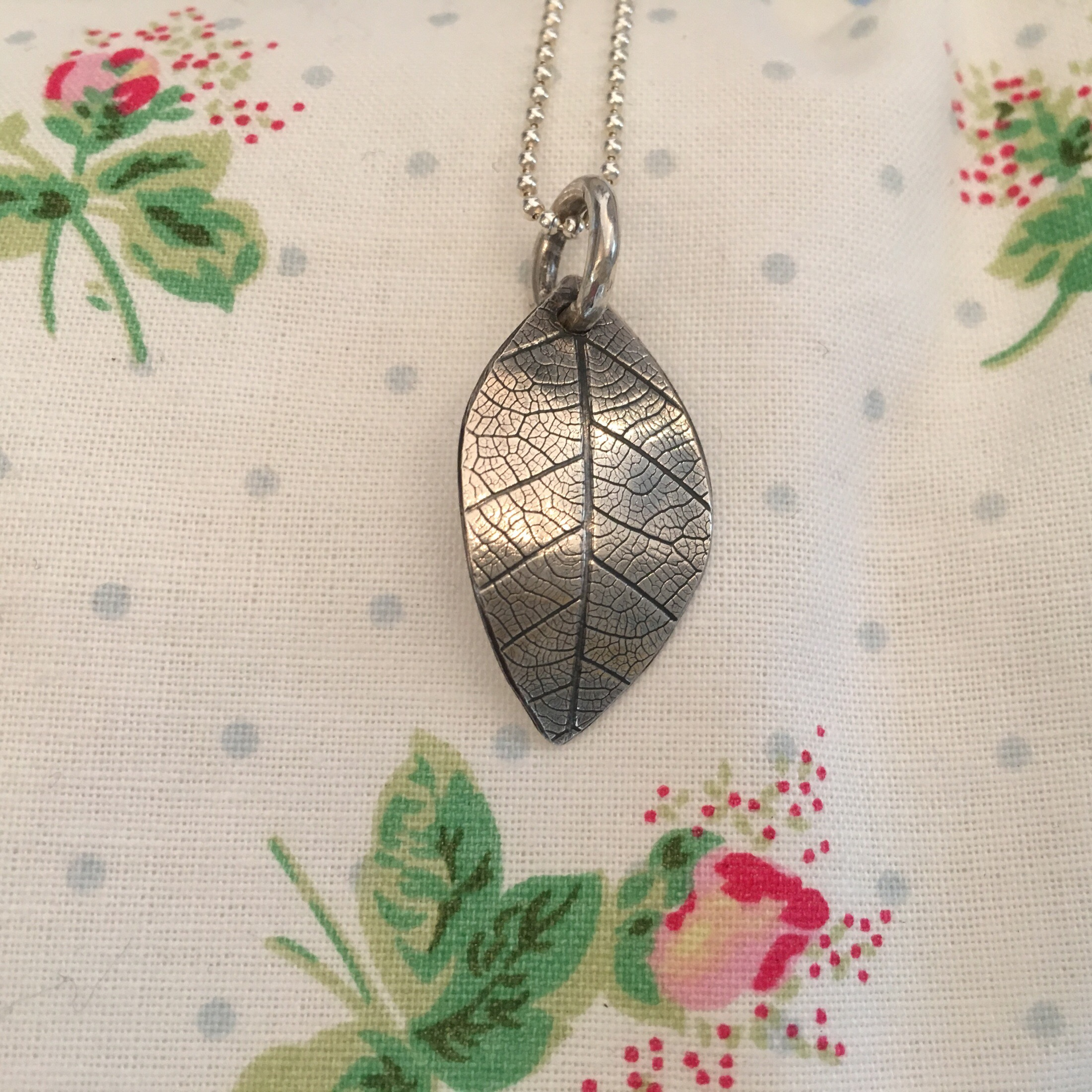 Silver leaf textured pendant