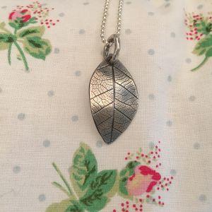 Silver leaf textured pendant